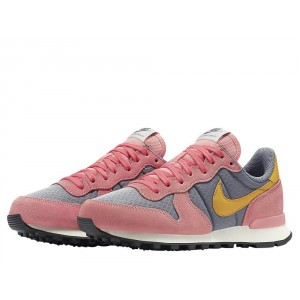Nike Wmns Internationalist Bright Melon